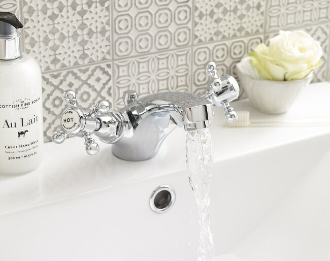 switch off the faucet to save water