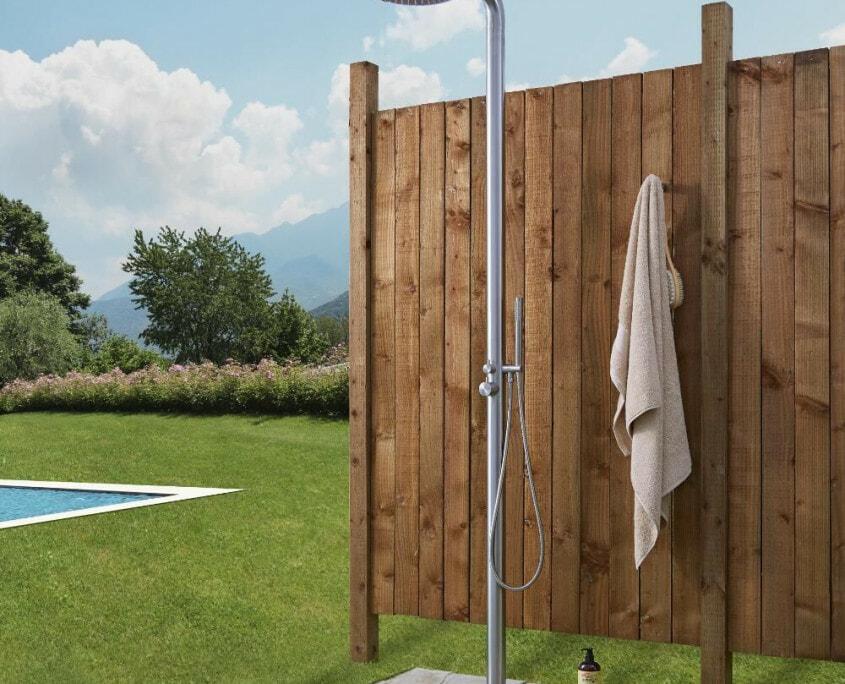 seville freestanding outdoor shower