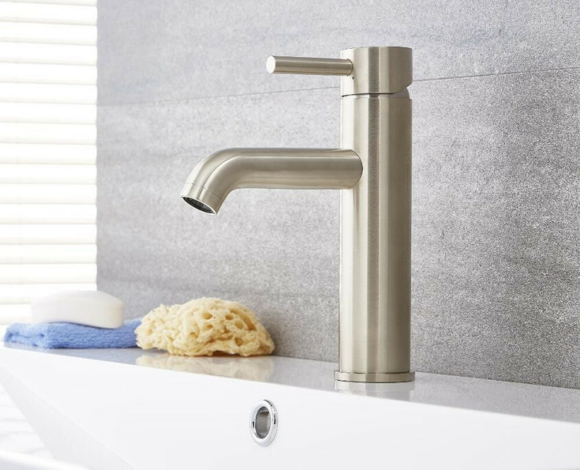 quest single hole bathroom faucet